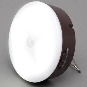 ●センサーが人の動きを感知して自動的に点灯する乾電池式LED室内センサーライトマルチタイプです