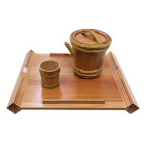 プレミア和歌山 酒器セット 酒樽風 紀州杉の銚子・ぐい飲みセット(折敷付)