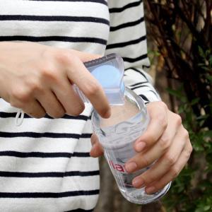 持ち運びに便利なミニサイズのらくらくオープナー。 ゼリー飲料から缶ボトルまで、色々なサイズのフタにフ...