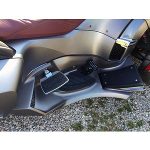 Can-Am SPYDER RT用 The Ultimate Luxury floorboard 塗装無し 黒ゲル TRICKLED製|lirica-store