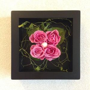 プリザーブドフラワーの壁掛けフレームピンクはお部屋のインテリアに、贈り物/送料無料 lpm0020 イメージ1