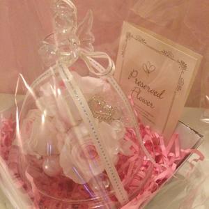 ハートを持ったプリザーブドフラワーのガラスドームエンジェルローズ結婚祝い/贈り物/プレゼント送料無料 lpm0031 イメージ3