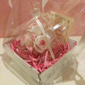 ハートを持ったプリザーブドフラワーのガラスドームエンジェルローズ結婚祝い/贈り物/プレゼント送料無料 lpm0031 イメージ4