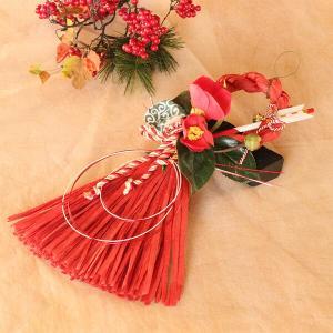 お正月たて長赤い椿と獅子頭のしめ縄 lpm0111 イメージ1