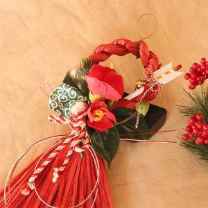 お正月たて長赤い椿と獅子頭のしめ縄 lpm0111 イメージ2