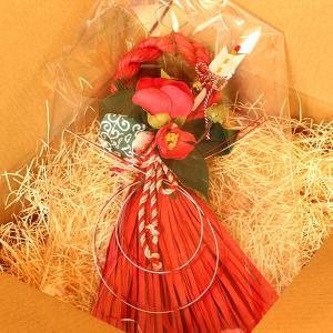 お正月たて長赤い椿と獅子頭のしめ縄 lpm0111 イメージ5