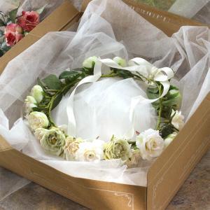 Happy Wedding ふんわりホワイトローズの花冠 イメージ3
