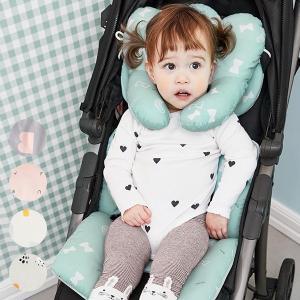 子供の成長や体型に合わせてネックピローの位置は2段階で調節が可能。  さらにネックピローは分離可能な...