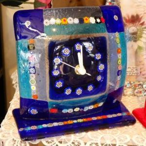 ガラスの置時計 ベネチアガラス テーブルクロック 電池式 ブルー レッド ホワイト livingts