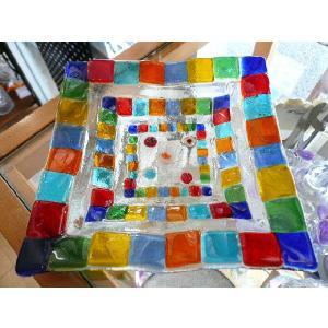 ガラス皿 イタリアのデザイナーが手がけたハンドメイドアートプレート 手作りプレート ハンドメイド 選べる6種類 14cm×14cm|livingts