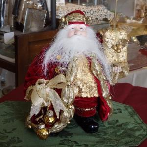プレゼントを抱えたサンタさん/白ひげのサンタ/クリスマス飾り|livingts