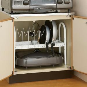 フライパンや鍋蓋を立てて収納できるコンロ下ラックです。立てて収納できるので、出し入れしやすく、スッキ...