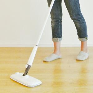 スプレーモップ 本体 フローリング 水拭き スプレーフロアモップ ( 掃除用品 マイクロファイバー 床 ワイパー )