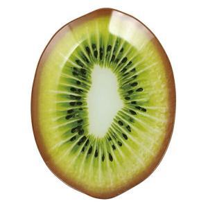 本物と見間違いそうなほどリアルなキウイのガラスプレートです。緑のグラデーションの色彩が食卓に元気と彩...