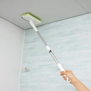 届きにくい天井のカビ取りに便利な風呂用ワイパー・クリーナーです。極細タイプのけんま材を含んだナイロン...