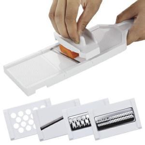 ●スライス、おろし、千切り、つま切りの4つの調理プレート付きで、プレートを交換して4つの機能が使える...