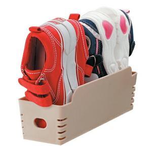 ●ベビーシューズから約18cmまでの子供用シューズ2足をすっきり収納できます。●靴底を合わせて本体に...