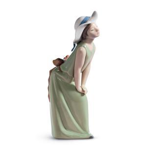 Lladro (リヤドロ) 少女 女の子 子供 お洒落     「鏡の前で(若草色の少女) #5009」|lladro-daisuki