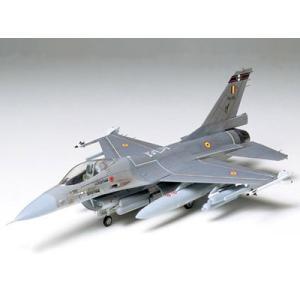 タミヤ 1/72 ウォーバードコレクション No.1 F-16 ファイティングファルコン 【60701】|llhat