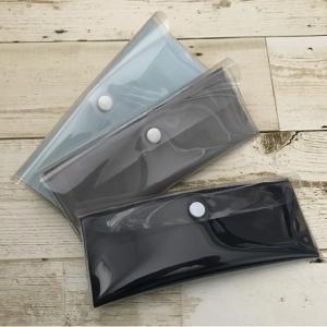 マスクケース 日本製 持ち運び 携帯用 マスク収納ケース 抗菌 防臭 清潔 PVC製 二つ折り スリム おしゃれ 外出 予備マスク|lobshop