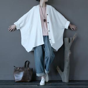 春から秋にかけて活躍する綿麻のカーディガンです(^^♪  ワンピースの上に羽織ったり、カットソー上に...