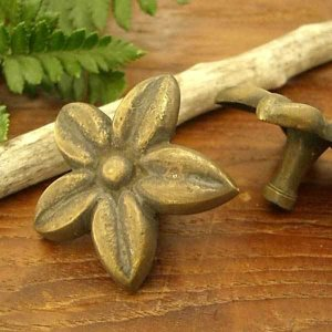 真鍮取っ手 簡単 施工 花 フランジパニ モチーフ アジアン インテリア 雑貨 loopsky