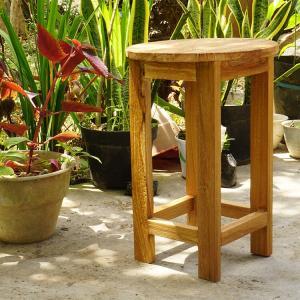 チークの原木で作られたチェア アジアン家具 ブラウン バリ家具 チーク材 リゾート モダン 丸椅子 インテリア 天然木 木製 おしゃれ スツール ループ 53904|loopsky