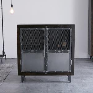 マンゴー材使用のインダストリアルな雰囲気のキャビネットです。  【サイズ】 幅89x奥行40x高さ9...