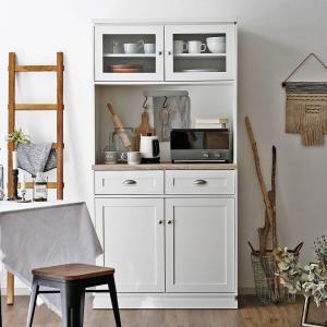 海外インテリアをイメージしたキッチンキャビネット。 シンプルなだけでは物足りない方におすすめのこだわ...