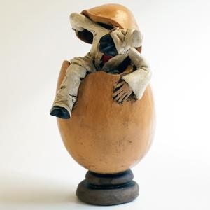 ナポリの幸運のお守り!卵から出るプルチネッラ-1|lucania-arti