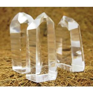 ☆おすすめ☆!!天然石鉱物 ブラジル産 水晶ポイント |luz