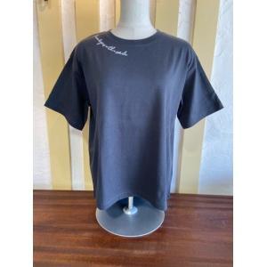 SIRO/シロ ネックロゴプリントTシャツ  R123209-90チャコール|magic-u-ladys