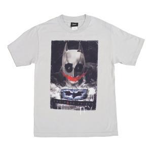 バットマンダークナイトで登場のジョーカーは今でも大人気。掲載品は、バットマンと思いきや顔が段々崩れて...