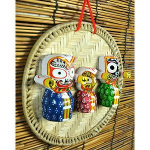 インド神像雑貨 椰子の葉ザルとジャガンナータ三神の壁飾り(小) オリッサ州の土着神 アジアン雑貨|mahanadi