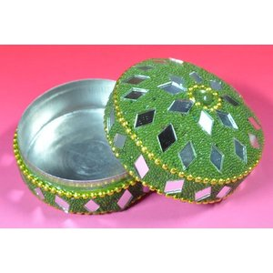 インドの彩色アルミ小物入れ 深緑 (中) (アウトレット)|mahanadi|02