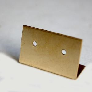 [志成販売] Brass プレート ピアスホルダー S 303089|mahatagiya