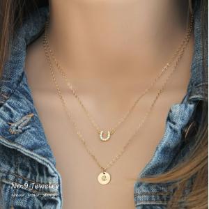 ホースシュー ゴールド レイヤード ネックレス [Initial Jewelry / イニシャル ジュエリー] 海外受注|mahealani