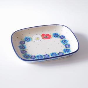 長方形のこのプレートは丁度いいサイズで、とても使いやすいです ワンプレートでの朝食や、前菜の盛り合わ...