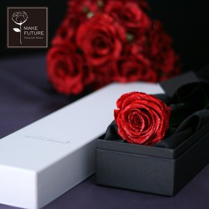 散りばめられた天然ダイヤモンドとラメが美しい1輪バラ「Diamond Rose」 最高級・高品質のプ...