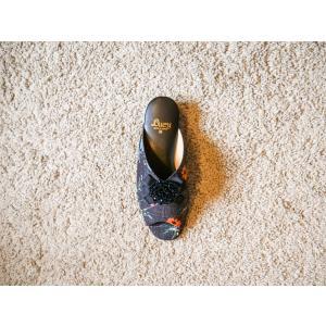グログランダイヤ飾り付き花柄サテン生地室内履きスリッパNo2227|makoto-lucy