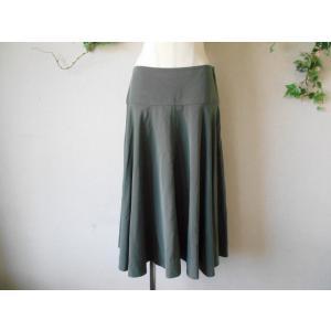 ユニクロ UNIQLO ウエスト 70cm フレアー スカート 4 カーキ