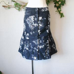 ピンクハウス PINKHOUSE オールシーズン 花柄 の素敵 な ひざ丈 フレア スカート M