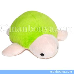 小さいウミガメのぬいぐるみ。人気のムニュマムシリーズのMサイズです。 つるんとした甲羅で丸い形。 じ...