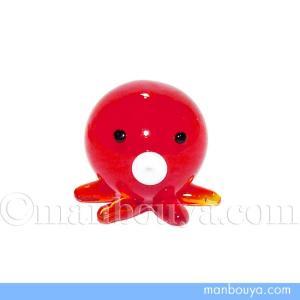 とても小さい硝子製の海の生き物。蛸の置物です。手(足)は6本しかありません。 タコ焼きのような丸い形...