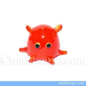 とても小さい硝子製の深海生物。赤いメンダコです。 ミニサイズなので場所を選ばずに飾ることが出来ます。...