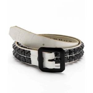 【商品特徴】 目立つ白のアメリカ製本革にブラックのスタッズを2連で配置した定番デザインのスタッズベル...