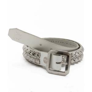 【商品特徴】 白く味のあるアメリカ製本革に、シルバースタッズを打ち込んだ定番デザインのスタッズベルト...