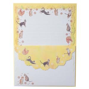 可愛い仕草の猫達を散りばめたデザインに、フリルのようなダイカットを施した可愛いレターセットです。  ...
