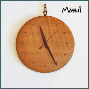 天然木壁掛け時計 ナラ 無垢 直径24cm ハンドメイド ウォールクロック ウォッチ 新築祝い 就職祝い 入学祝い ギフト 日本製|marui-kagu