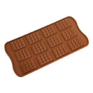 【メーカー】 シリコマート(イタリア)  【商品説明】 ミニミニサイズの板チョコが12枚出来ます☆ ...